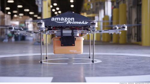 アマゾンが実験中のドローン配達、早速ネタになる〜Amazon's Delivery Drones〜