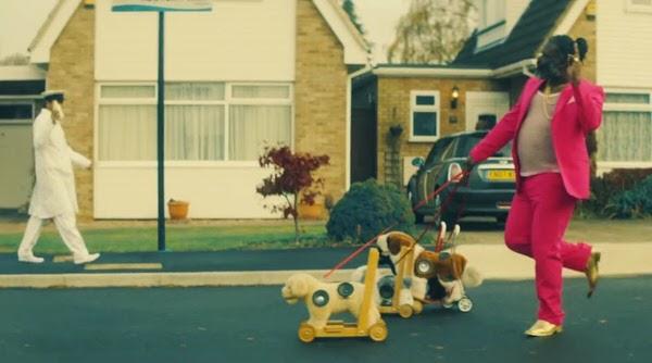 最新シングル「DIBBY DIBBY SOUND」が大ヒット中! DJ FRESH曲、画像、wikiまとめ