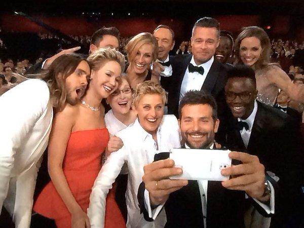 第86回アカデミー賞2014ハイライトまとめ〜自撮りからピザパーティー、フォトボムまで!盛りだくさん〜