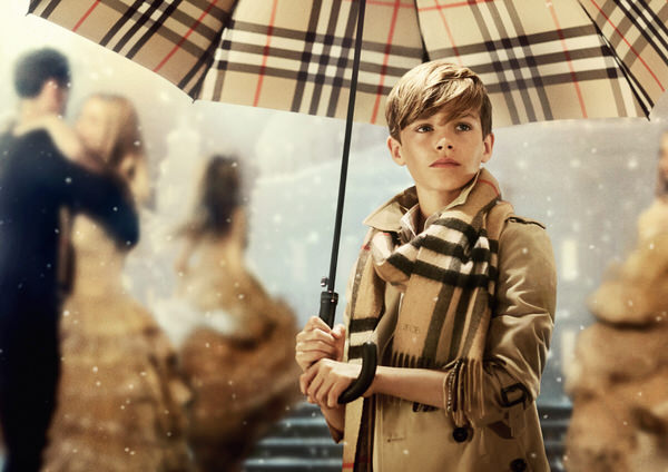 12歳ロメオ・ベッカム出演バーバリー2014クリスマスキャンペーン動画 Burberry Christmas Ad 2014
