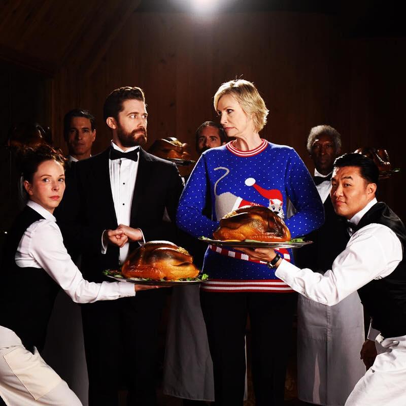 Gleeファン必見!ジェーン・リンチとマシュー・モリソンがファブリーズのTVCMで共演